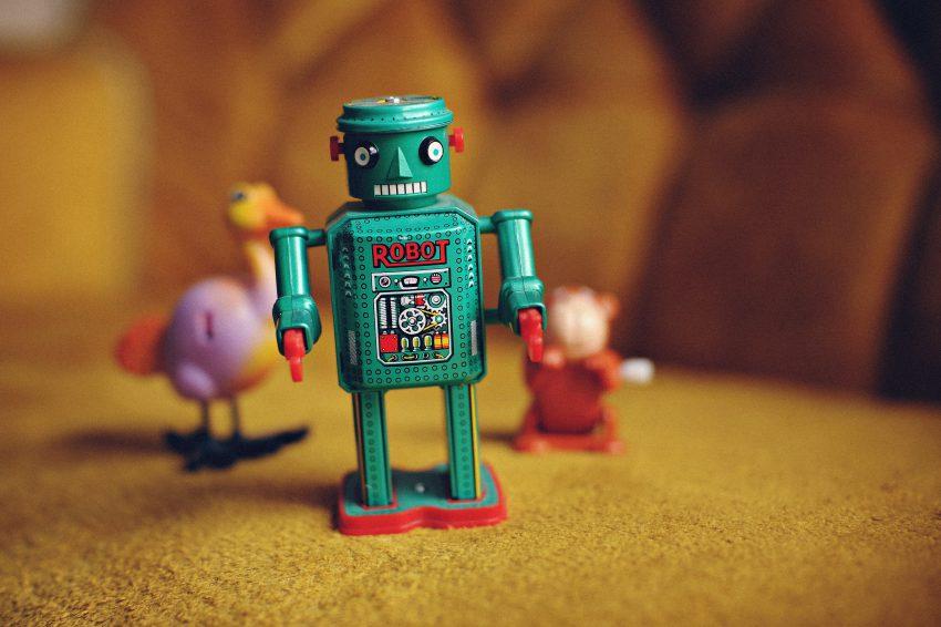 social selling, fakty, mity, robot, zabawka