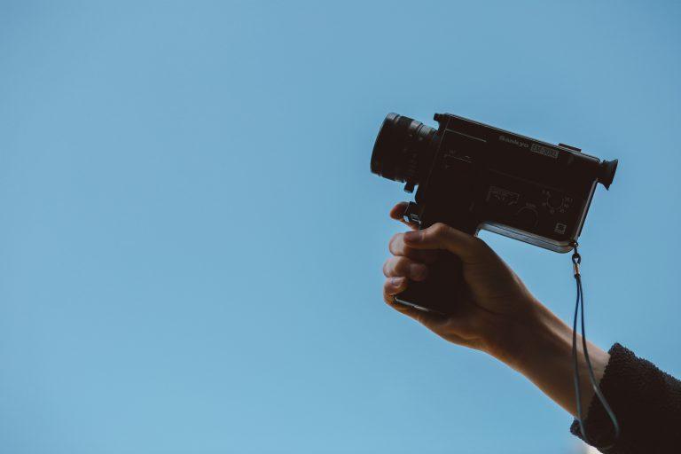 Content marketing, sprzedaż, wsparcie, kamera