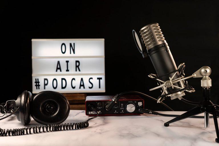 podcast, zacznij nagrywać, jak nagrać podcast, studio social Cube